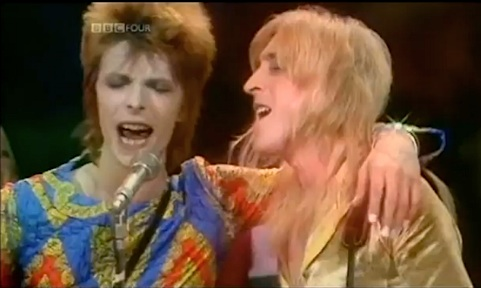 David Bowie, Starman, 1972, Top of the Pops,V&A , exhbition, tipping point, BBC