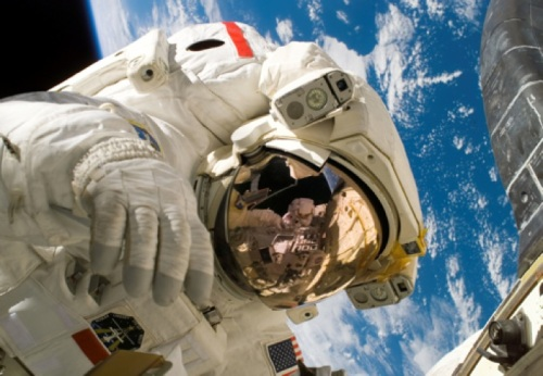 Michael Fossum,Piers Sellers, spacewalk,Nasa, space shuttle, Discovery, mission STS121