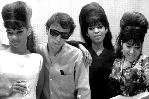 The Ronettes, Phil Spector, Frosty the Snowman, Be My Baby, Wall of Sound, 1963
