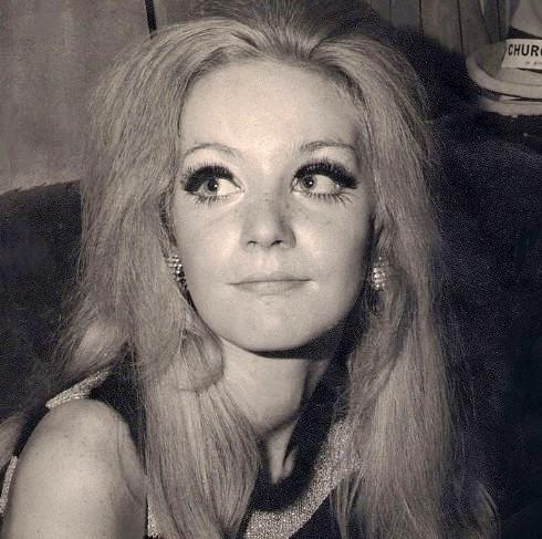 Wendy Kirby,David Bowie, Jean Genie, 1973, Top of the Pops,video,All the Young Dudes ,Daniella Parmar ,Freddi Burretti