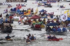 1,000 row-boats made up the seven-mile flotilla on the Thames (Photo: Dylan Martinez)
