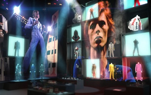 V&A, review,exhibition, Geoffrey Marsh, David Bowie Is,