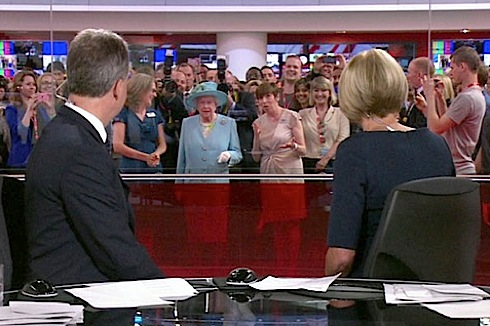 "4 – Live on air: ""Who, me?"" Somebody finally enlightens HMQ that one is in fact being seen by millions and the rolling news transmission has come to a grinding standstill. (Videograbs from BBC)"