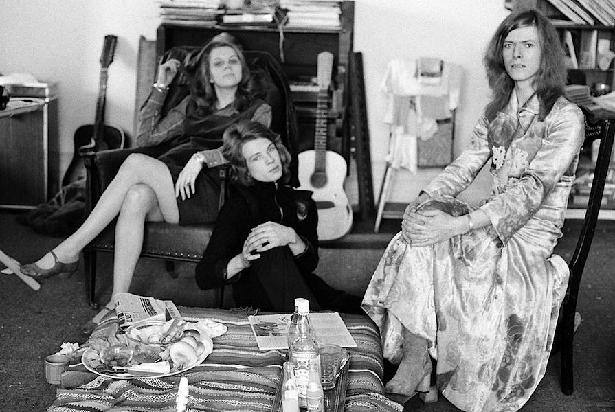 l'immense David Bowie est décédé après avoir publié son ultime chef-d'oeuvre, ★ (Blackstar)  Db72-freddie-wendys