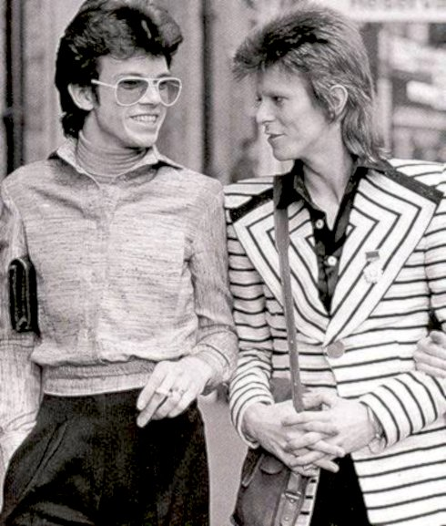 David Bowie, pop music, Freddie Burretti, costume, designer, modelling,