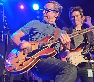 Nick Heyward, live, Gibson Sunburst